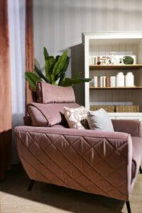 4.różowy Fotel W Mieszkaniu